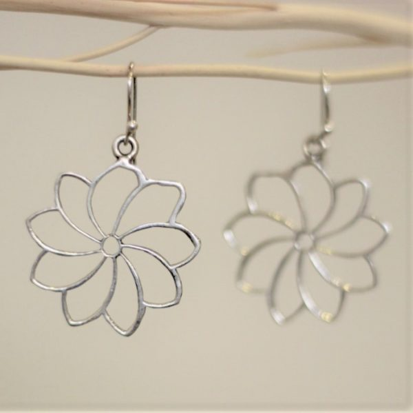 Flower Wire Silver earrings